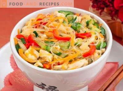 Chicken Fitchosis - die besten Rezepte. Wie man richtig und lecker Funchoza mit Hähnchen kocht.