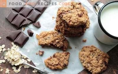 Haferkekse mit Schokolade - schnelles Backen. Rezepte krümelige Haferkekse mit Schoko-Haferflocken und Mehl