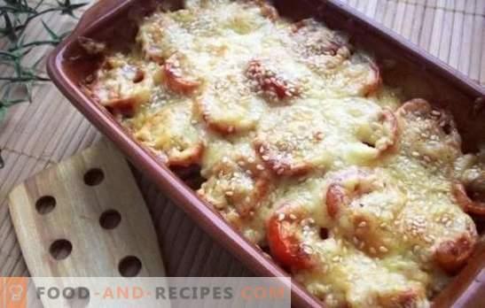 Tomaten mit Käse im Ofen - pikant! Varianten von gebackenen Tomaten in Käse im Ofen mit Hackfleisch, Champignons, Schinken und Eiern
