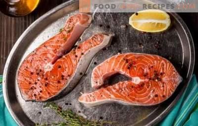 Lachssteak in einer Pfanne, im Ofen, auf dem Grill. Sechs Varianten von Lachssteak mit Kartoffeln, Zitrone, Gemüse