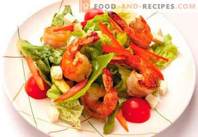 Salat mit Garnelen und Lachs - die richtigen Rezepte. Schneller und geschmackvoller Kochsalat mit Garnelen und Lachs.