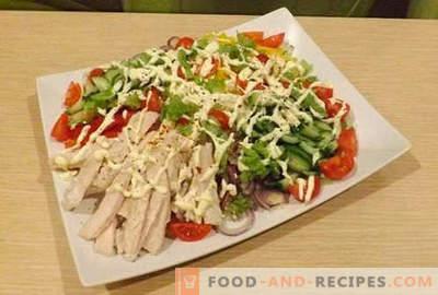 Hähnchenfiletsalate - fünf beste Rezepte. Wie man Salate richtig und köstlich mit Hühnerfilet zubereitet.