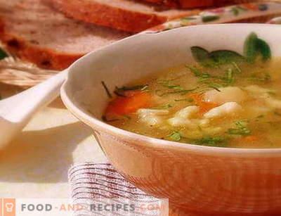 Knödelsuppe - die besten Rezepte. Wie man richtig und lecker Kochsuppe mit Knödel kocht.