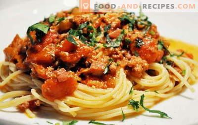 Spaghetti mit Fleisch - italienische Pasta auf russische Art! Spaghetti-Rezepte mit Fleisch und Käse, Champignons, Sahne, Tomaten