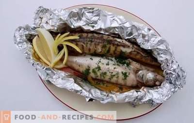 Barsch im Ofen in Folie: Im Menü - ein edler Diätfisch. Interessante Rezepte für Barsch im Ofen in Folie: Schritt für Schritt