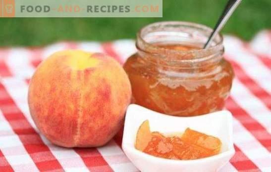 Pfirsichmarmelade ist eine Art Marmelade. Wie man Pfirsichmarmelade auf einem Herd zubereitet, in einem langsamen Kocher, Brotbackmaschine