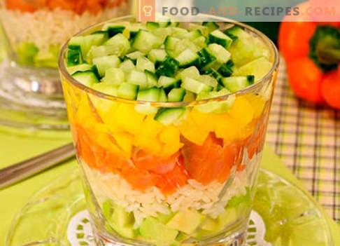 Salat mit Lachs überlagert - die richtigen Rezepte. Schnell und lecker gekochter Salat in Schichten mit Lachs.