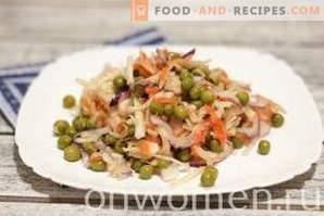 Salat mit Sauerkraut und Erbsen