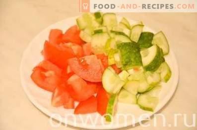 Leichter Salat mit getrocknetem Hähnchen