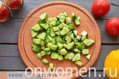 Salat mit Muscheln und Avocado