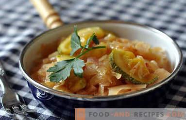 Mit Zucchini gedünsteter Kohl
