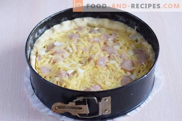 Offene Torte mit Hähnchen und Kartoffeln unter Käsekruste