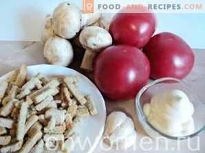Salat mit Pilzen, Tomaten und Crackern