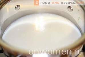 Grießbrei mit Milch