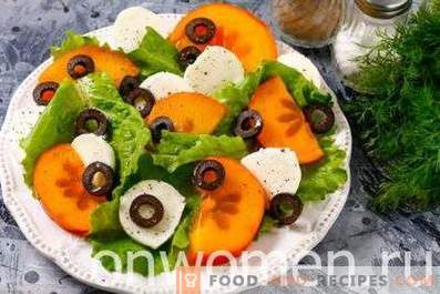 Salat mit Mozzarella und Kaki