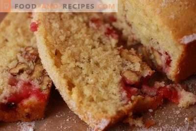 Cupcake mit roten Johannisbeeren