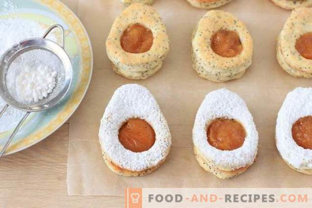Ostereierhüttenkäseplätzchen mit Aprikosenmarmelade