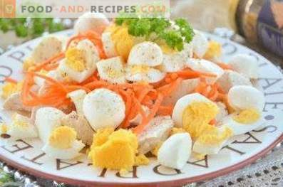 Koreanische Karotten- und Hühnersalate