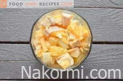 Damen-Caprice-Salat mit Hähnchen und Ananas