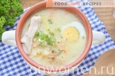 Suppe mit Hirse und Ei in Hühnerbrühe