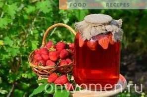 Erdbeerkompott für den Winter