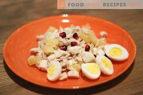 Salat mit Adyghe-Käse und Hühnchen
