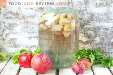 Kompott von Äpfeln für den Winter