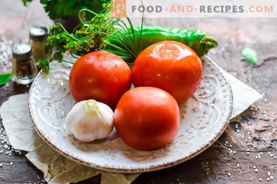 Leicht gesalzene Tomaten in einer Packung in 2 Stunden: ideal für ein Picknick