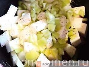 Hähnchen mit Gemüse gedünstet