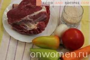 Mit Fleisch und Reis gefüllte Paprikaschoten