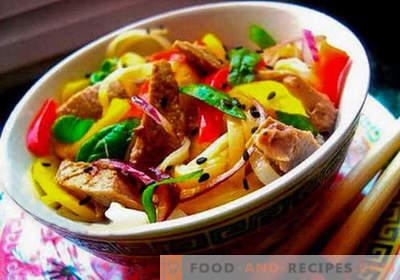 Thailändischer Salat - fünf beste Rezepte. Wie man richtig und lecker thailändischer Salat kocht.