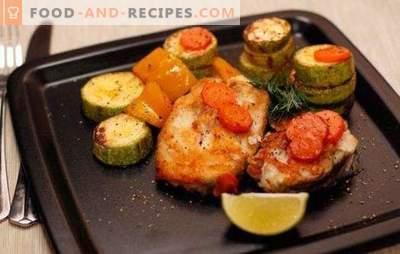 Kabeljau-Steak im Ofen - kalorienarm, lecker, stilvoll. Wie man Kabeljau-Steak im Ofen mit Gemüse, Sauce, Pilzen und Wein