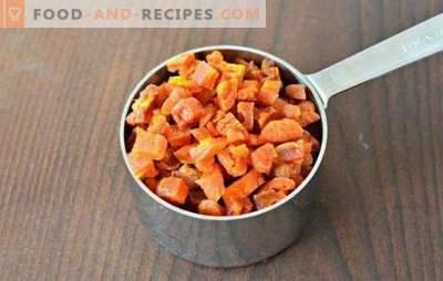 Getrockneter Kürbis in einem elektrischen Trockner und Ofen: Streifen, kandierte Früchte, Pulver. Wie man einen getrockneten Kürbis bekommt und was man daraus kochen kann