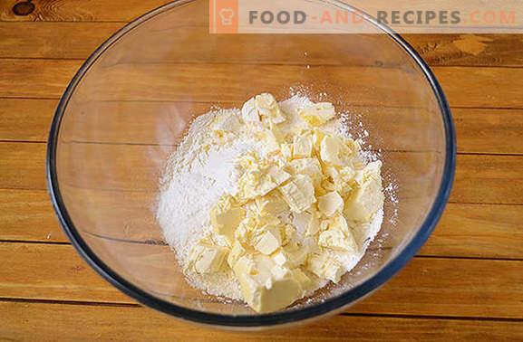 Bagels au fromage cottage avec confiture: les gâteaux faits maison sont toujours heureux! Recette pas à pas de la photo de l'auteur: rouleaux de pâte au fromage cottage avec confiture épaisse