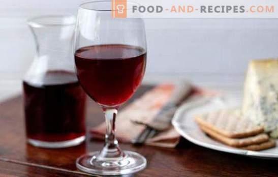 Rotwein zu Hause ist ein wertvolles Naturprodukt. Rezepte für Rotwein zu Hause aus Beeren und Marmelade
