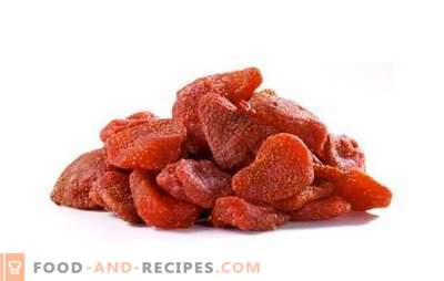 Geschmack von kandierten Erdbeeren mit Sommergeschmack. Wir dekorieren Gebäck, Manniki und Kuchen mit kandierten Erdbeeren