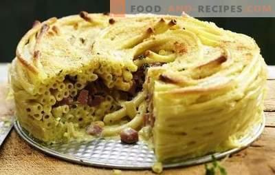 Pasta-Auflauf mit Wurst ist eine schnelle Option zum Mittagessen. Eine Auswahl von Rezepten Nudelauflauf mit Wurst