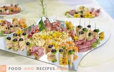 Snacks am Buffettisch: Fisch, Fleisch, Käse, Pilze, Beeren. Optionen Vorspeisen auf dem Buffettisch und die Regeln ihrer Einreichung