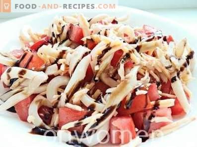 Tintenfischsalat mit Tomaten und Käse