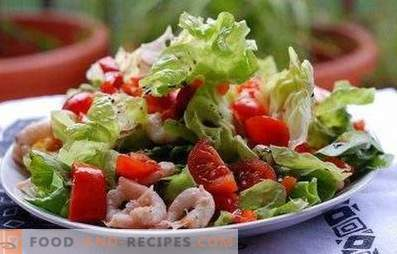 Salate mit Meerescocktail