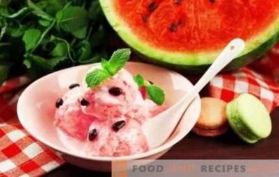 Wassermeloneneis - Sommerkühle! Die besten Rezepte für Wassermeloneneis mit Sahne, Milch, Joghurt, Melone, Bananen