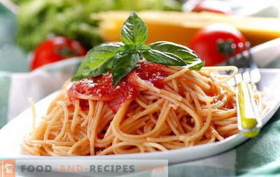 Spaghetti mit Tomatenmark: Kochen ist einfach. Spaghetti-Rezepte mit täglicher Tomatensauce: mit Gemüse, Huhn, geräuchert